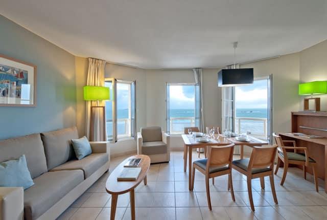 Appart Hotel avec vue sur la mer